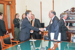 Ignacio Urrabazo meets with Texas Speaker of the House Joe Straus.